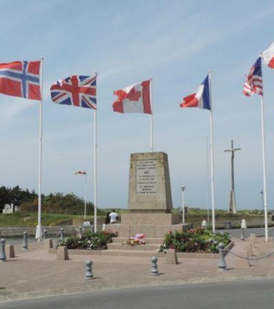 Stele de Gaulle 1024x573 400x450 - Courseulles sur Mer