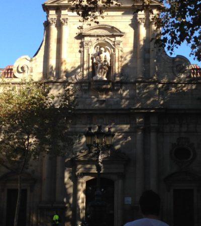 IMG 4439 768x1024 400x450 - Barcelone