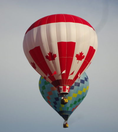 montgolfière canada à vancouver voyagespia 1024x768 400x450 - Vancouver