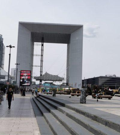 Arche de la Défense 1024x768 400x450 - Paris