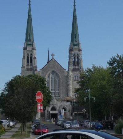 Eglise de Beauharnois VoyagesPIA 1024x576 400x450 - Châteauguay