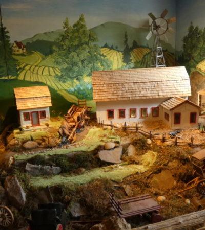 Maquette de la ferme du Parc Oméga VoyagesPIA 1024x576 400x450 - Châteauguay