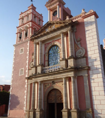 Eglise Mision Santiago Apostal au Mexique VoyagesPIA 768x1024 400x450 - Santiago de Querétaro