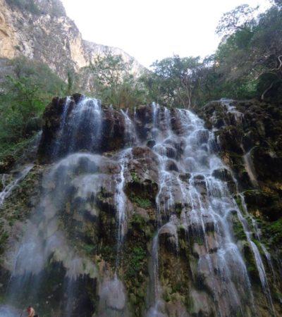 Cascade Tolantongo Mexique VoyagesPIA 768x1024 400x450 - Tolantongo
