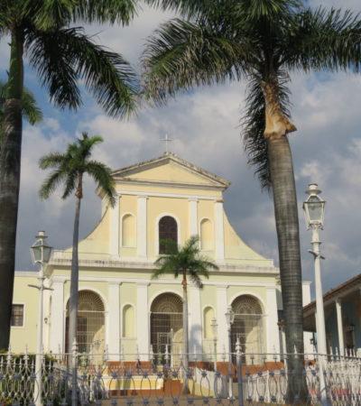 Eglise Santisima de Trinidad VoyagesPIA 1024x768 400x450 - Trinidad