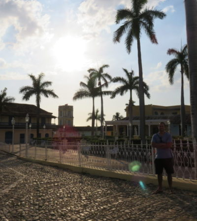 Plaza Mayor Trinidad à Cuba VoyagesPIA 1024x768 400x450 - Trinidad
