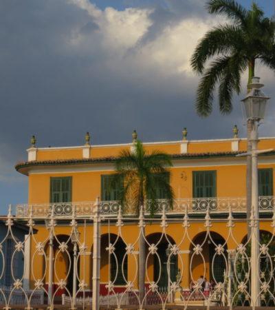Plaza Mayor de Trinidad VoyagesPIA 1024x768 400x450 - Trinidad