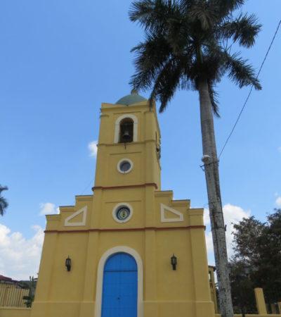 Eglise à Vinales Cuba Voyages PIA 768x1024 400x450 - Viñales