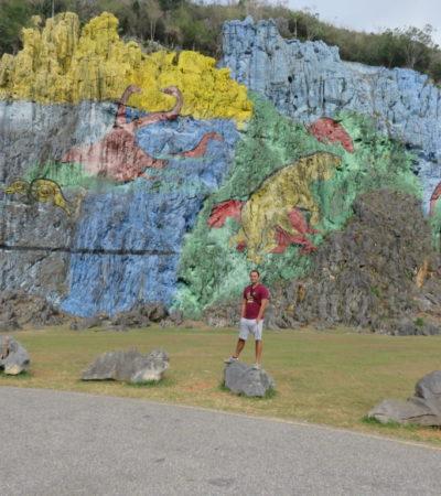Mural Préhistorique sur mogote à Vinales VoyagesPIA 1024x768 400x450 - Viñales
