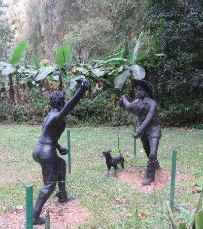 Statues Vinales à Cuba VoyagesPIA 1024x768 400x450 - Viñales