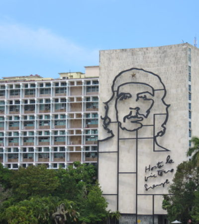 Place de Fidel Castro la Havane VoyagesPIA 1024x768 400x450 - Havane